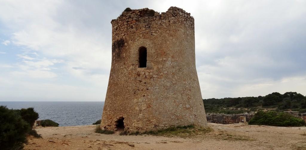Bild: Torre de Cala Pi von Olaf Tausch - Eigenes Werk.